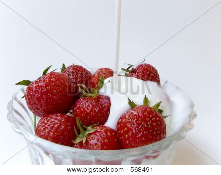 Strawberries With Cream 1