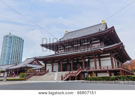 Tokyo, Japan - November 25 2013: Zojoji Is A Great Main Temple Of The Chinzei Branch Of Jdo-sh Bud