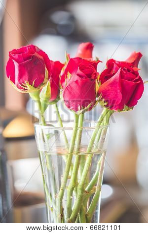 Red Roses Bouquet In Vase