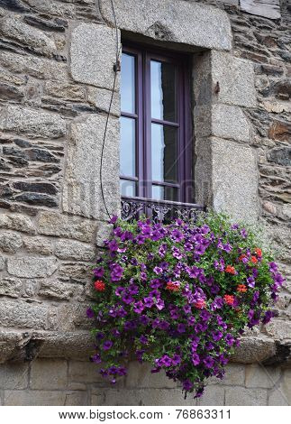 Pretty Window Rochefort-en-terre, France.