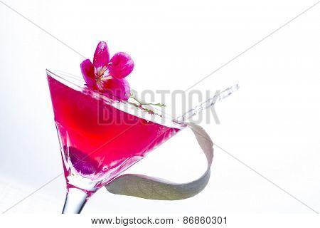 Molecular mixology - Cocktail with caviar and flower petals