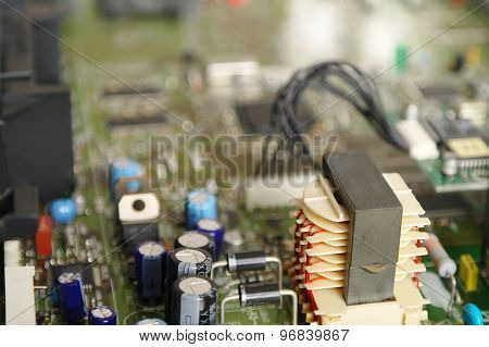 Power Supply In A Satellite Decoder