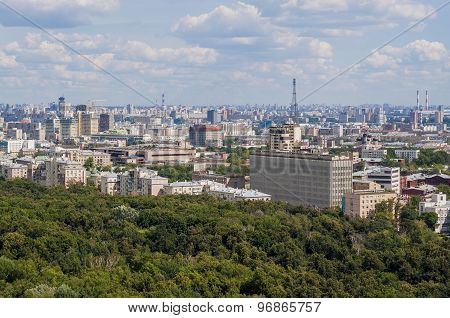 View the tourist areas of Moscow and river from above