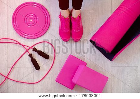 Girl Hand Dumbbell
