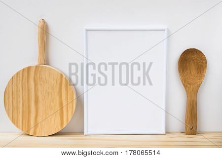 Frame mockup wood cutting board and spoon on white background product marketing website banner blogging social media
