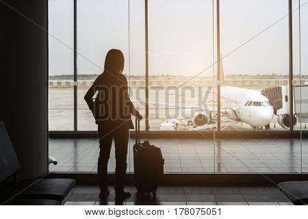 silhouette of traveler at the airport Travel concept