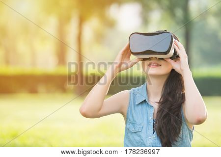 Beautiful Asian Woman Experience Vr Headset Glasses Device
