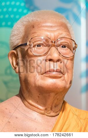 Bangkok-jan 29: A Waxwork Of Buddhadasa Bhikkhu On Display At Madame Tussauds On January 29, 2016 In