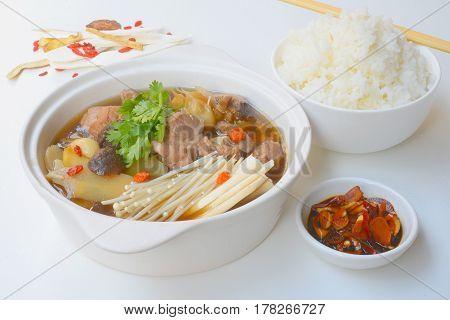Ba kut teh, stew of pork and herbal soup