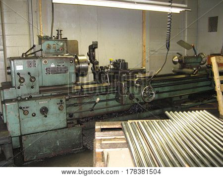 lathe steel  turn shop mill  work  industrial