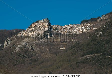 Cervara di Roma is a little suggestive town on the rock, in the Simbruini mountains, province of Rome, know as