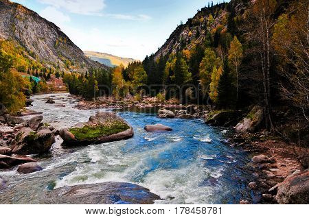Xinjiang Cocoa sea,china , making it has rich scientific connotation and aesthetic significance. Geological heritage world is rare, constitute the Xinjiang Junggar mystery tour line dazzling a scenery line.