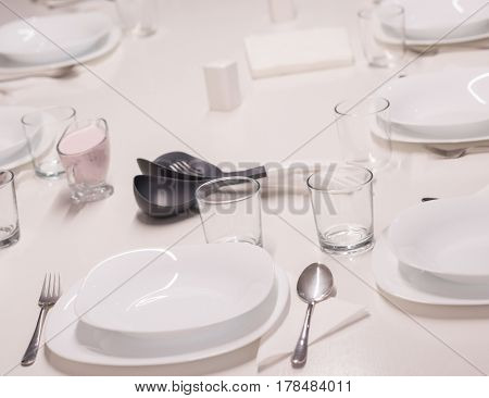 Table ready for lunch