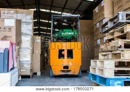 forklift used LPG gas small forklift in warehouse