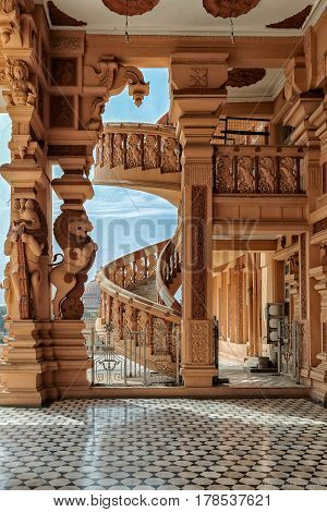 Architecture India Buildings and Statues Mosaic and arches