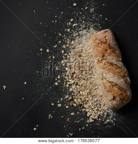Loaf of bread with sprinkled flour