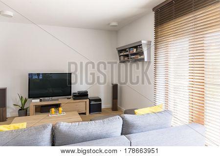 Cosy Room With Plasma Tv