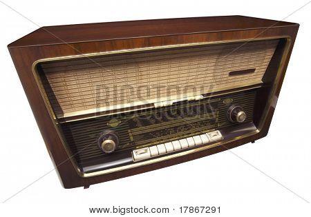 radio vintage de los años cincuenta, aislado sobre fondo blanco con trazado de recorte