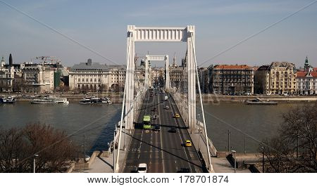 Erzsébet / Elisabeth Bridge that spans Danube river in Budapest