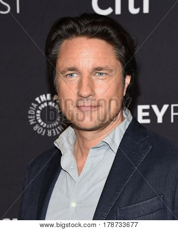 LOS ANGELES - MAR 19:  Martin Henderson arrives for the PaleyFest 2017-Grey's Anatomy on March 19, 2017 in Hollywood, CA