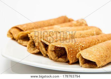 Quinoa crepes preparation : Rolled quinoa crepes
