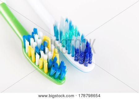 Comparison Of Toothbrush With  Round Tip Bristle And Tapered Bristle
