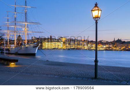 Af chapman,stockholm,sweden by night