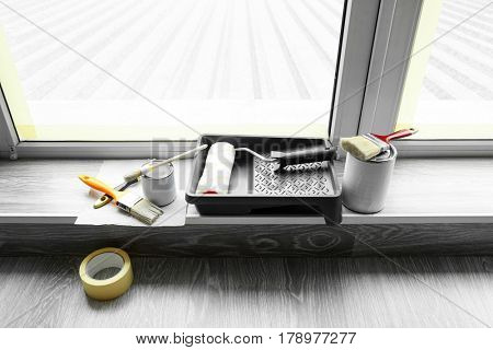 Set of tools for painting on window sill
