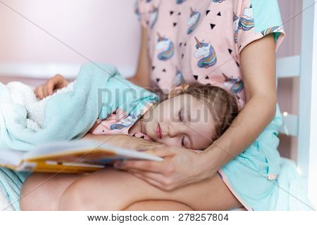 Mother Is Readding A Book For Kids Good Sleep