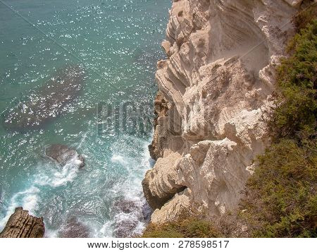 Rock Sea Water Object Formation Solid Beauty In Nature Day High Angle View Motion Land No People Tra
