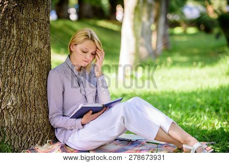 Best Self Help Books For Women. Girl Concentrated Sit Park Lean Tree Trunk Read Book. Reading Inspir
