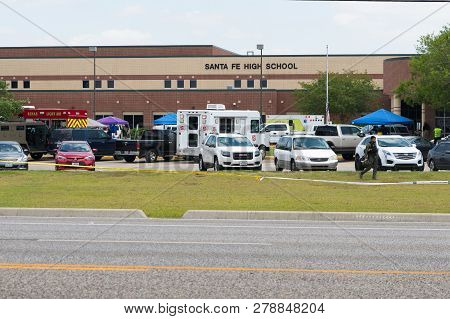 City Of Santa Fe, Texas - May 18, 2018: Multiple Local, State And Federal, Enforcement Agencies Proc
