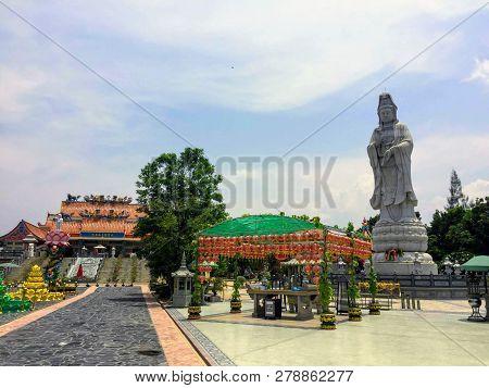 Guan Im Sutham Temple, Kanchanaburi, Thailand - May 19th, 2017: The Beautiful Courtyard Of The Chine