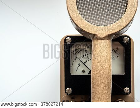 Count Per Minute Scale And Microsievert Per Hour Scale On Dial Display Of Radiation Survey Meterwith