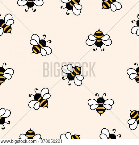 Seamless Pattern With Flying Bees. Vector Cartoon Black And Yellow Bees Isolated On Background. Cart