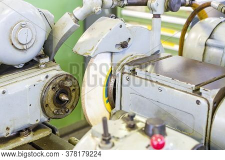 Close Up Headstock And Grinding Wheel And Wheelhead Of High Accuracy Surface Cylindrical Grinding Ma