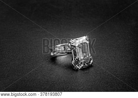 White Gold Jewelry Ring With Big Carat Diamond