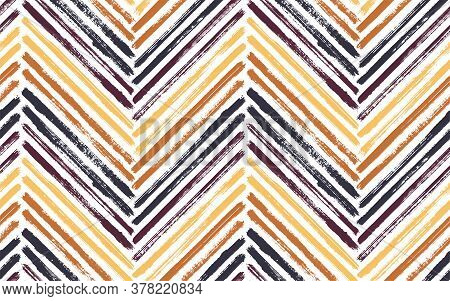 Organic Zig Zag Fashion Print Vector Seamless Pattern. Paintbrush Strokes Geometric Stripes. Hand Dr