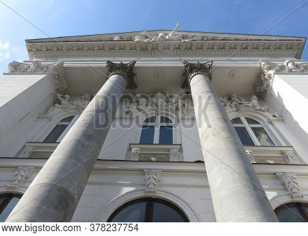 Warsaw, Poland - 09.11.2019: Beautiful Restored Building With Antique White Sculptures And Columns B