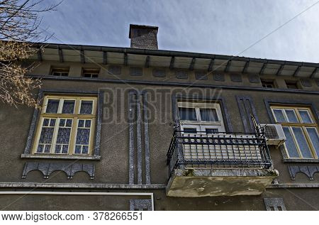Blagoevgrad, Bulgaria - March 13, 2018:  Fragment Of An Old Building With An Interesting Facade, Typ