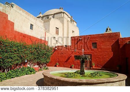 Impressive Courtyard Of The Convent Of Santa Catalina De Siena With A Vintage Stone Fountain, Arequi