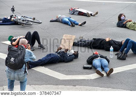 Alameda, Ca - July 3, 2020: Youth Led  Die In Protest In Front Of The Alameda Police Station. A Die