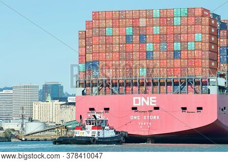 Oakland, Ca - July 23, 2020: Tugboats Are Small, But Powerful For Their Size. Tugboat Veteran At The