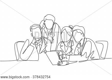 One Continuous Single Line Drawing Group Of Male And Female Doctors Discussing And Diagnosing Patien