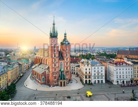 Krakow, Poland. Aerial View Of St. Mary's Basilica (bazylika Mariacka) On Sunrise