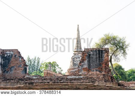 Architecture Of The Famous Old Temple In Ayutthaya, Temple In Phra Nakhon Si Ayutthaya Historical Pa