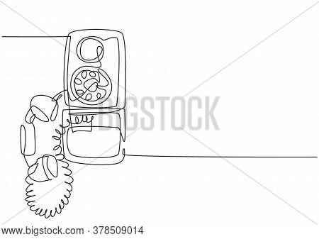One Continuous Line Drawing Of Old Vintage Analog Wall Telephone To Communicate. Retro Classic Telec