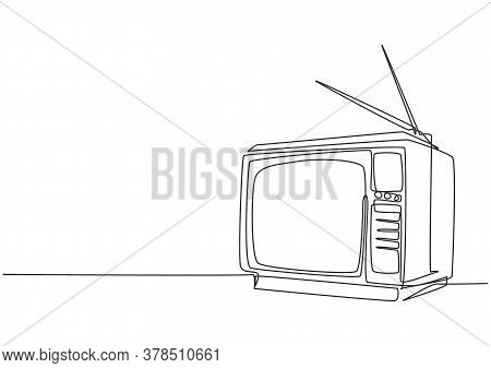 One Continuous Line Drawing Of Retro Old Fashioned Tv With Wooden Case And Internal Antenna. Classic