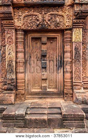 Banteay Srei stone falsedoorway