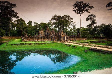 Banteay Srei (The PinkTemple)